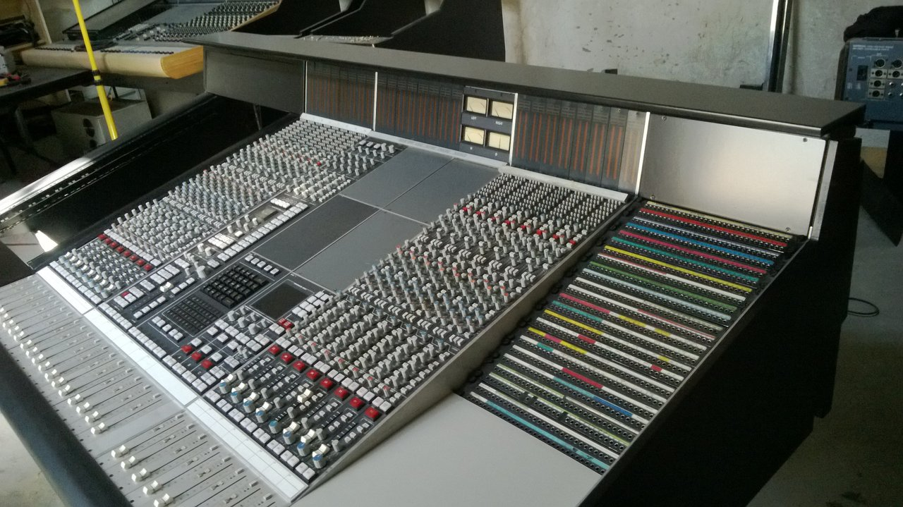 SSL 4000 16CH + Master Section + Custom Furniture