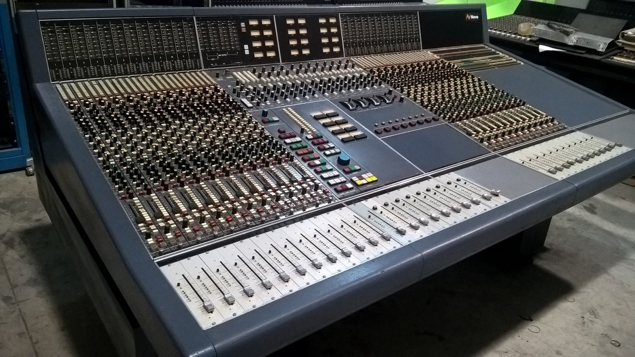 Neve VR 24CH Console